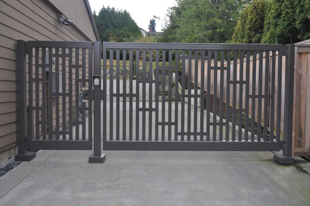 basic swing gate design